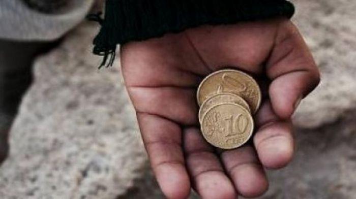 Γυναίκες εξωθούσαν τα ανήλικα παιδιά τους στην επαιτεία στο Παράλιο