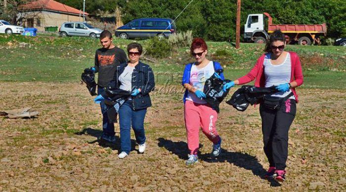 Φωτογραφικές στιγμές και βίντεο από τον εθελοντικό καθαρισμό της λίμνης Λάδωνα στη Γορτυνία!