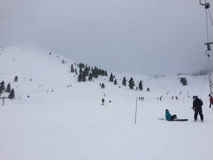 Όλα λευκά στο Χιονοδρομικό Κέντρο Καλαβρύτων - Δείτε Live!
